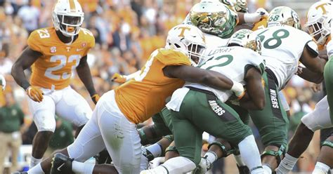 Tennessee football: Vols hold off Charlotte, 14-3 in